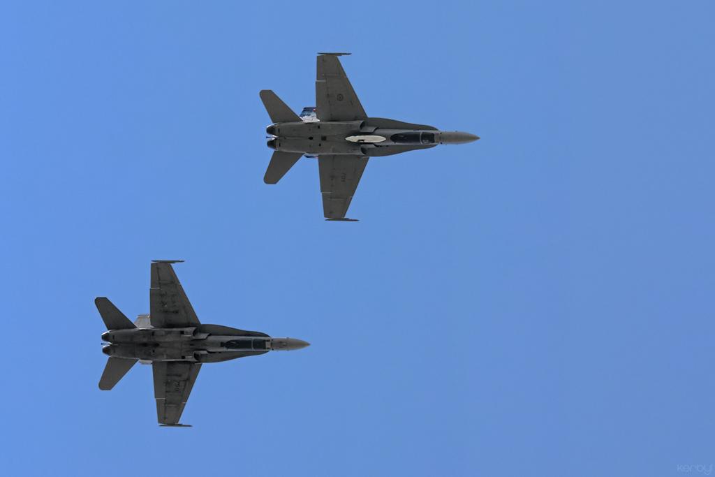 Hornet-One-Plus-One-Overhead-Break